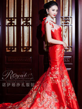 Royal奢华刺绣红色旗袍