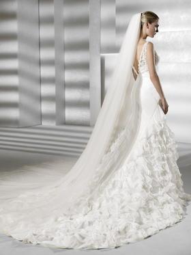 台湾翯婚纱礼服设计工作室