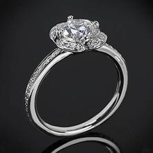 【呓人珠宝】四瓣花朵光环直臂镶钻四爪钻石戒指
