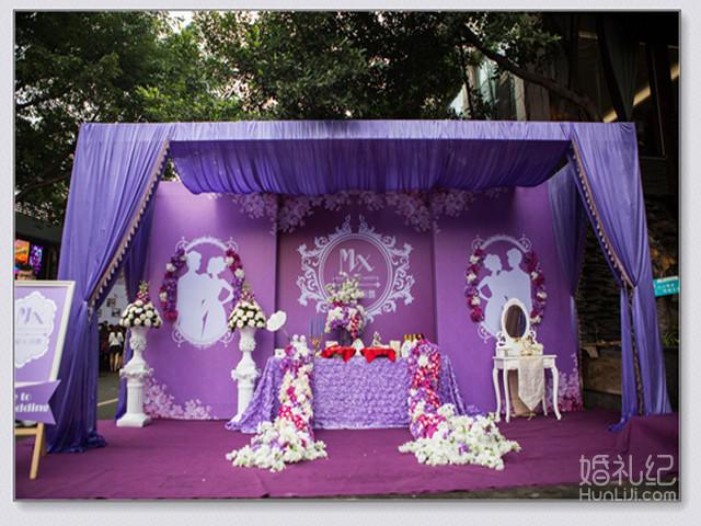 布置 迎宾区 桁架搭建喷绘主题logo海报1套 桁架搭建婚纱照副背景2套