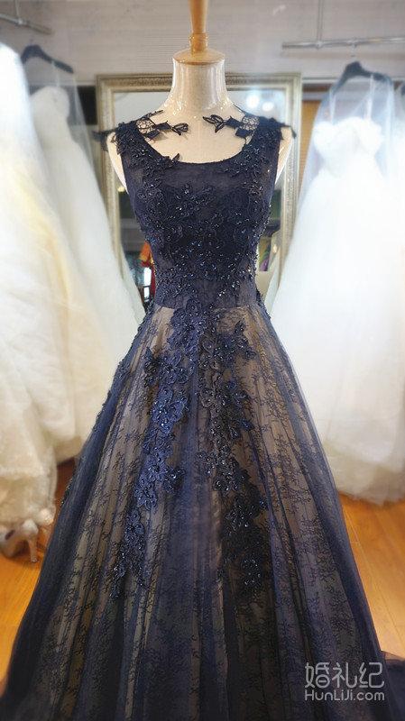 【悦慕彩妆婚纱馆】大气藏青色拖尾礼服,婚纱礼服设计