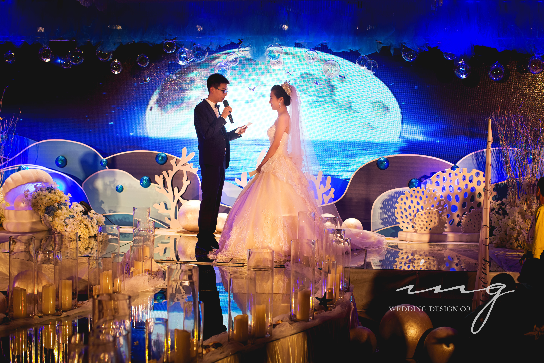 结婚纪�y��yd�&����_金色婚礼布置,婚礼布置图库,婚礼纪www.hunliji.com