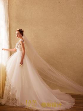【IAM】凌凡 时尚包肩不规则蓬蓬裙婚纱