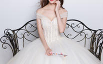 夏新娘韩式一字肩抹胸型齐地香槟色嫁衣