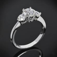 【呓人珠宝】三钻经典收缩直臂钻石戒指