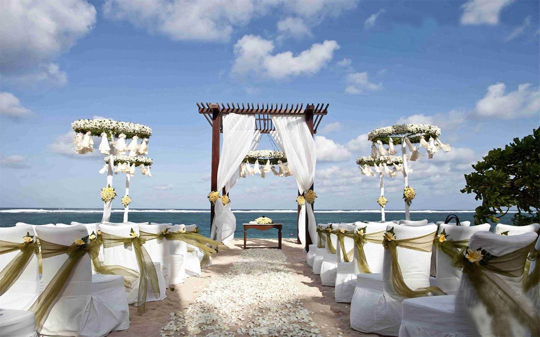 巴厘岛浪漫海边婚礼