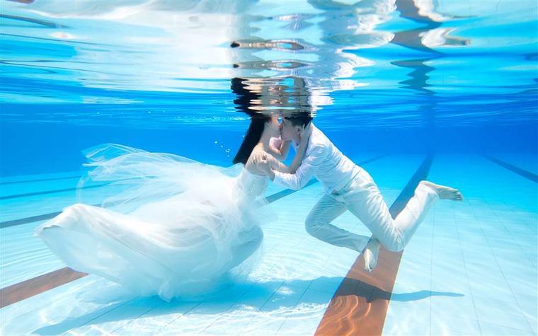 夏日清凉一下 水下拍摄