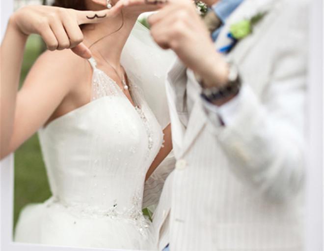 草坪婚纱照