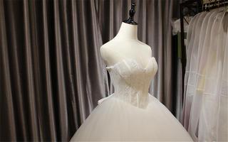 27婚纱工作室