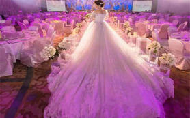 钻石2680套系一件长托+齐地+2件礼服送伴娘服