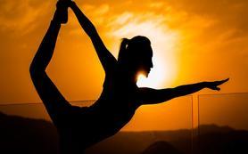 带上瑜伽去旅行 云南旅拍新作(时代制片)