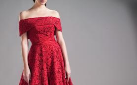 一字肩小高腰蕾丝齐地红色礼服
