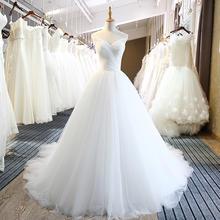最美丽的公主裙装新娘婚纱洁白简洁的款式