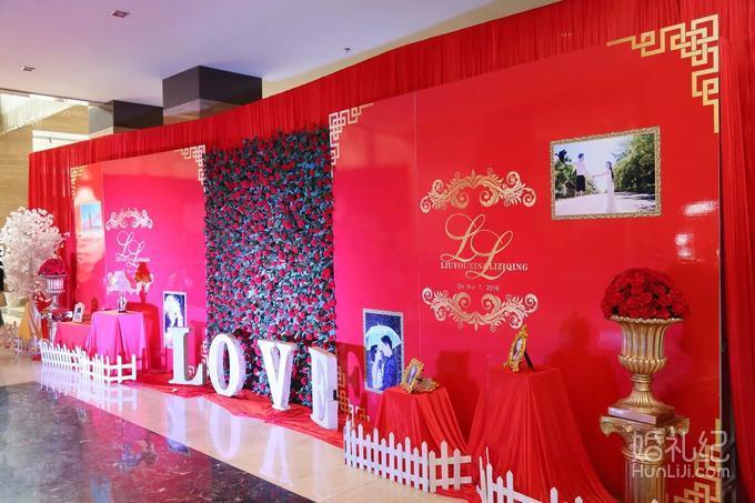 签到桌主题装饰,个性婚礼kt板展示  仪式区 舞台,t台,led屏,主题喷绘