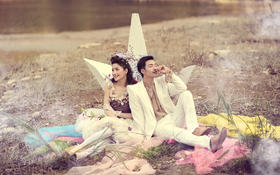 小清新创意婚纱照 那一件薄薄的婚纱承载着我们许多的梦想和希望