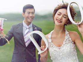 韩式唯美婚纱照  枫情水岸