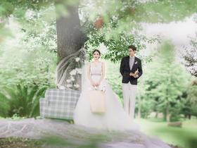 韩式浪漫草坪婚纱照