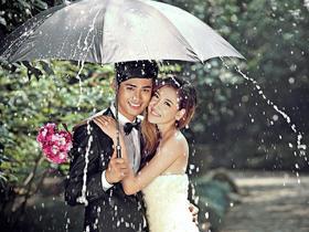 【东尚摄影】独家经典婚纱系列欣赏--唯美雨景