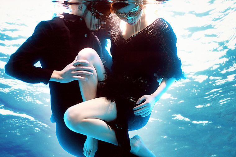 水下婚纱摄影