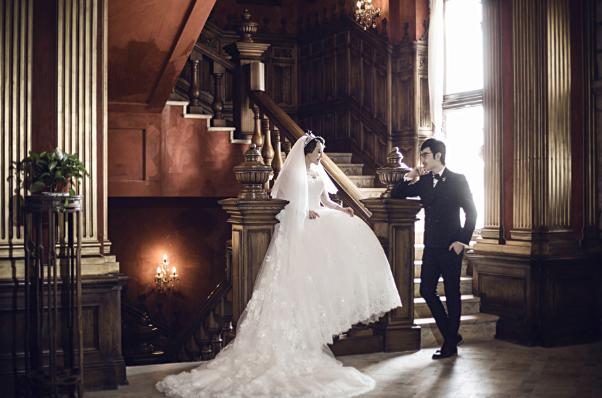 太原婚纱摄影前十名_后现代皇妃物语——欧式婚纱照【婚礼纪】