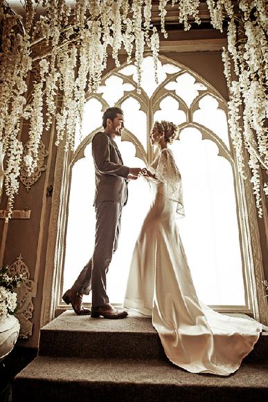 蕾丝与花的精美碰撞~ 韩式婚纱照