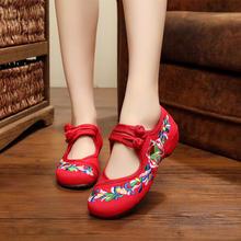 老北京布鞋夏季新款透气红色婚鞋低跟花朵绣花鞋民族风舞蹈女鞋子