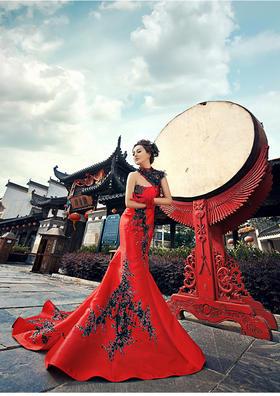 《复古婚纱照》红色的爱意