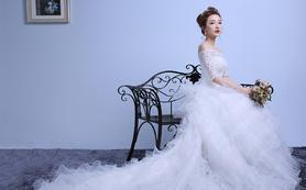 新娘韩式一字肩蕾丝中袖影楼高档豪华大拖尾婚纱