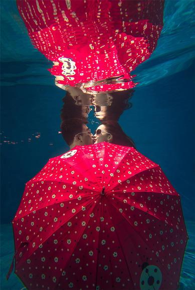 夏威夷水下婚纱照风潮
