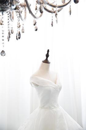 baby同款婚纱礼服