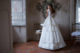 漂亮新娘婚纱礼服