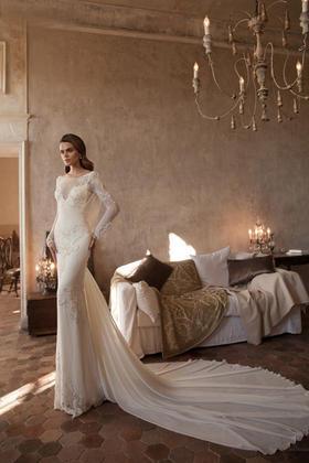浪漫新娘婚纱礼服