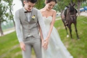 【纪实韩风—与你相拥】丨马场婚纱照样片欣赏