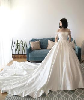 SUN -- 镇店之作,超大裙摆刺绣华丽缎面纱