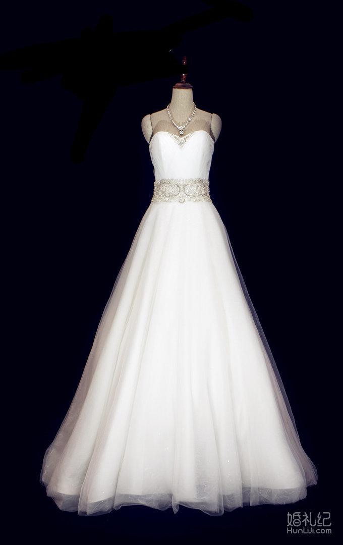 抹胸心形领婚纱,婚纱礼服设计作品欣赏,婚礼纪 hunli.
