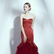 酒红色抹胸修身晚宴礼服