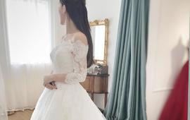戴安娜优雅-- 一字肩刺绣蕾丝长尾纱