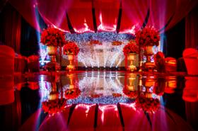 清新红色主题婚礼:花