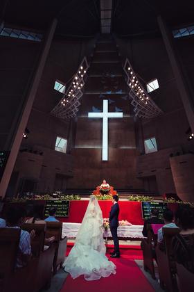 婚礼摄影——幸福婚姻就像演奏协奏曲,在合作中演奏出美丽的乐曲