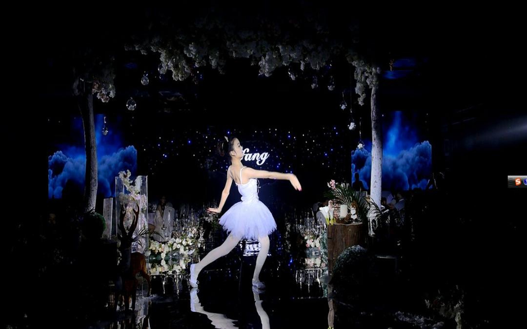 麻辣巨享:主持人晨语三人团队+荧光芭蕾
