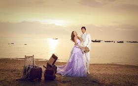 黄昏海景婚纱照