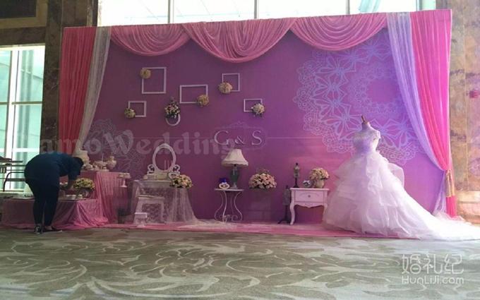 签到笔两支  迎宾区背景布缦布置及绢花立体装饰  欧式精美婚礼迎宾