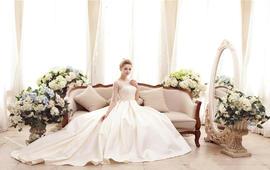 【痕迹婚纱】高端设计款婚纱+2280化妆师跟妆