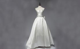 蘭墨缎面简洁款M胸型珠花婚纱