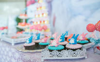 紫色主题婚礼 蕾丝花纹设计