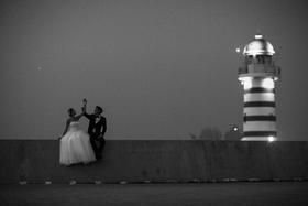 #波西米亚旅拍夜景婚纱摄影#爱神灯塔