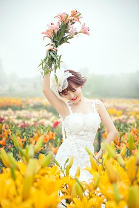 四季花海婚纱摄影