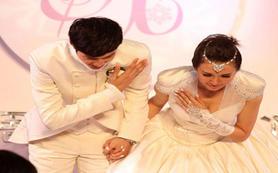 魔术婚礼+新人的爱情故事
