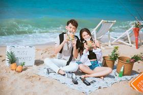 夏日阳光 沙滩的秘密-文艺婚纱照