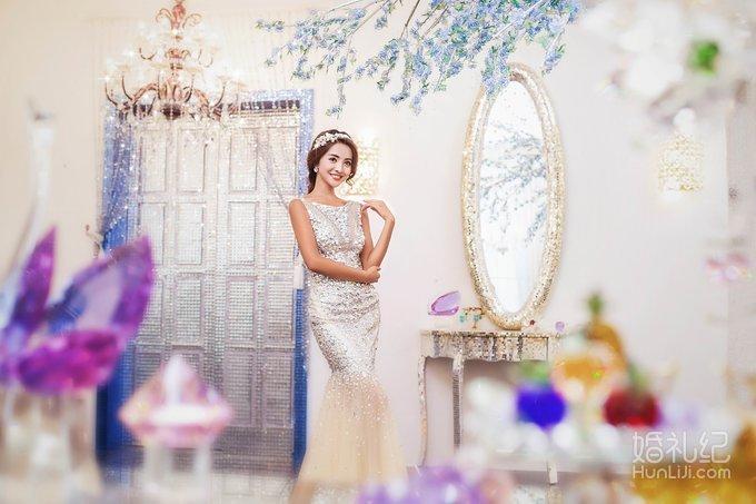 拍摄风格:欧式 拍摄景点:基地 服装造型:婚纱